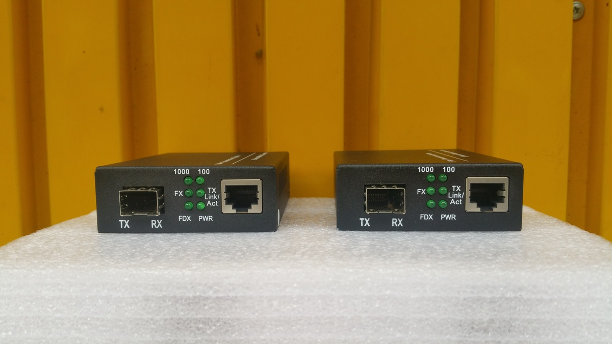 10/100/1000M Gigabit Sinplex Fiber SFP Port Fast Media Converter